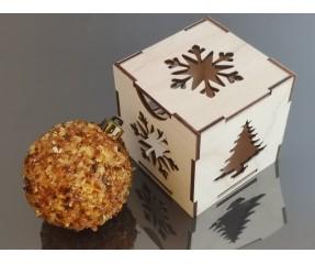Kalėdinis žaisliukas dekoruotas gintaru
