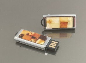 USB memory with natural amber