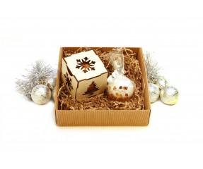 Gintaru dekoruota žvakė ir Kalėdinis žaisliukas