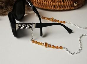 Dekoruota grandinėlė akiniams