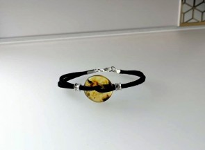 Leather bracelet with amber