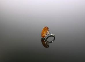 Sidabro Ag925 žiedas su natūraliu gintaru