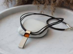 Necklace with silver and amber