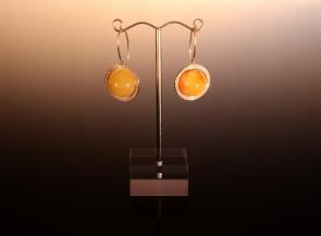 """Auskarai """"Saturnas"""" su auksu, gintaru ir briliantais"""